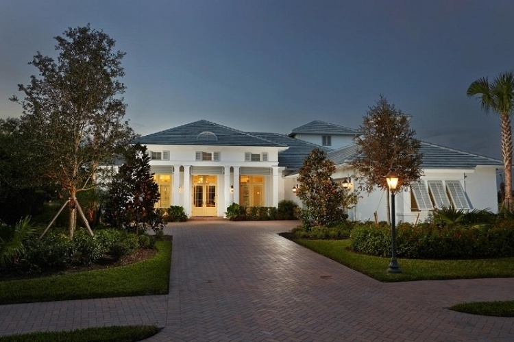 Luxury Homes in Sarasota- The Founders Club has just the new home packages for you
